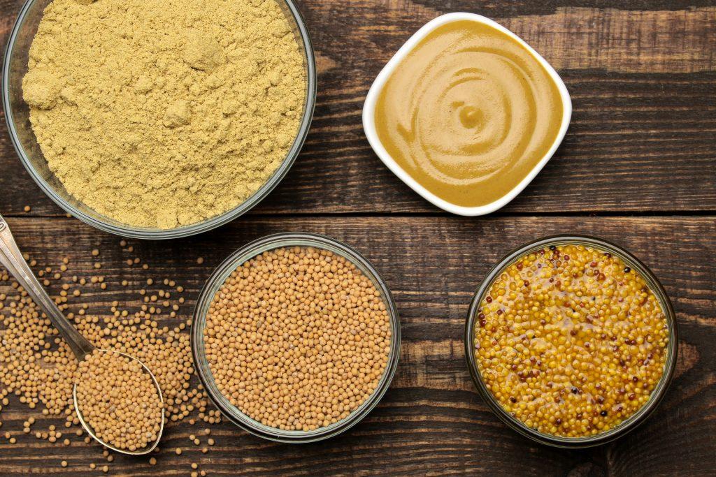 Verschillende soorten mosterd